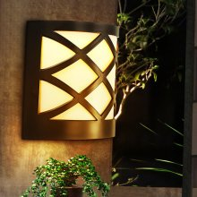 Solar Power 6 LED Garden Fence Lamp Wall-mounted Courtyard