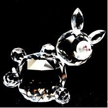 Cut Crystal Leaning Pig Farmyard Animal Ornament