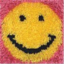 """Caron Wonderart Latch Hook Kit 8""""X8""""-Smile"""